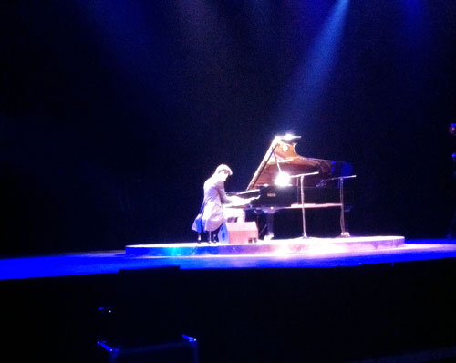 Beijing3-Maksim first concert in China at the Wanshida Centre Beijing on 16th November 2011.jpg