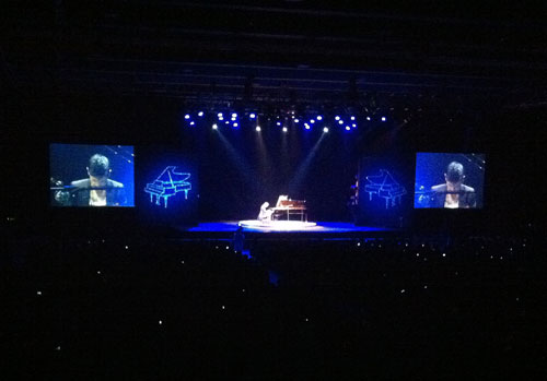 Beijing4-Maksim first concert in China at the Wanshida Centre Beijing on 16th November 2011.jpg