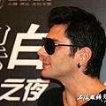 Maksim Mrvica in Shanghai, China 2011.12.10-07.jpg