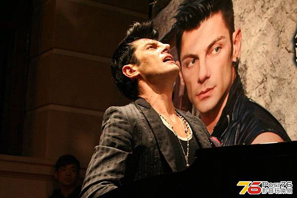 2011.11.29 Maksim Mrvica Showcase in Hong Kong-08.jpg