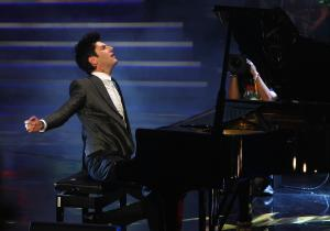 邁可森於頒獎典禮上演奏《Flight Of The Bumble-Bee》與《Habanera》