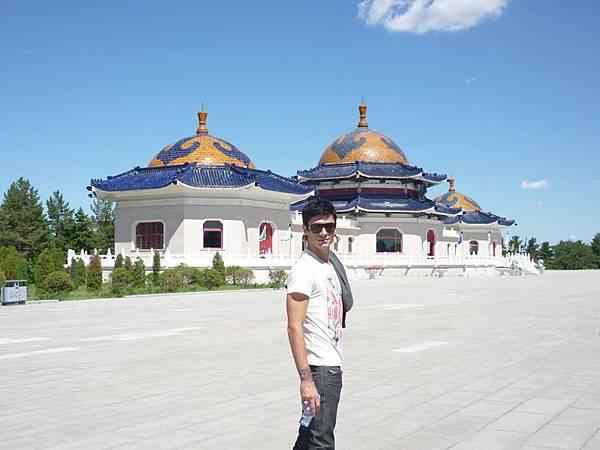 Maksim in Inner Mongolia 2012-04