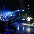 Maksim and the band perform at Nanjing stadion-01