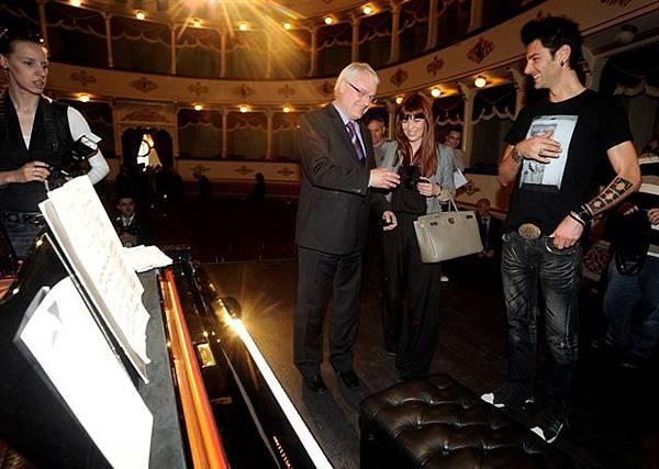 President of Croatia 'Ivo Josipović' and Pianist 'Maksim Mrvica'-04.jpg