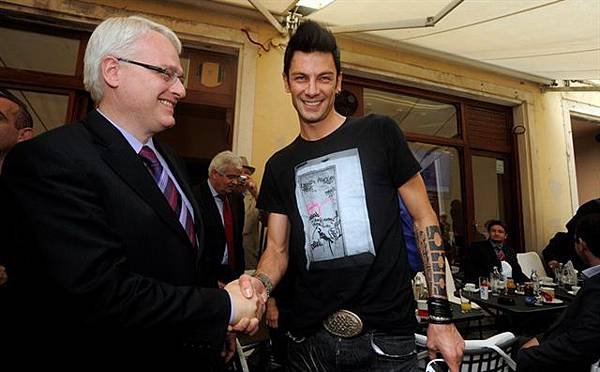President of Croatia 'Ivo Josipović' and Pianist 'Maksim Mrvica'-07.jpg