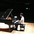 Maksim in Singapore-Japan, November 2009-03.jpg