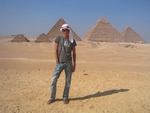 Maksim in Egypt, August 2007-02.jpg