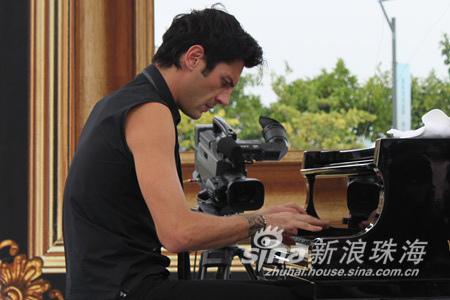 03-2010.10.02 Maksim Concert in Zhuhai.jpg