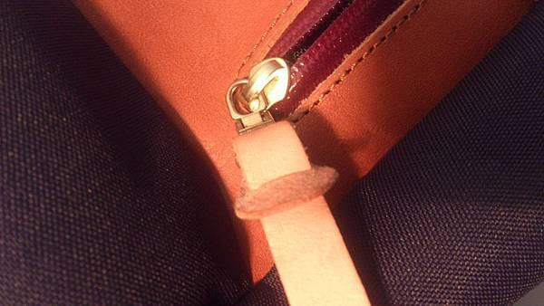 包包正面拉鍊內袋03.jpg