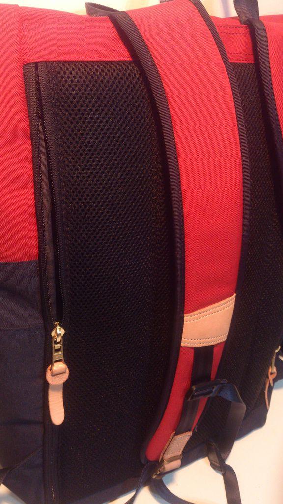 包包背面直通拉鍊內袋01.jpg