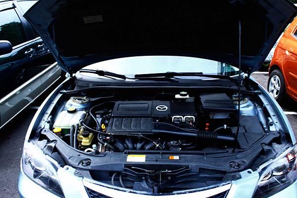 05馬三1.6引擎室內.jpg