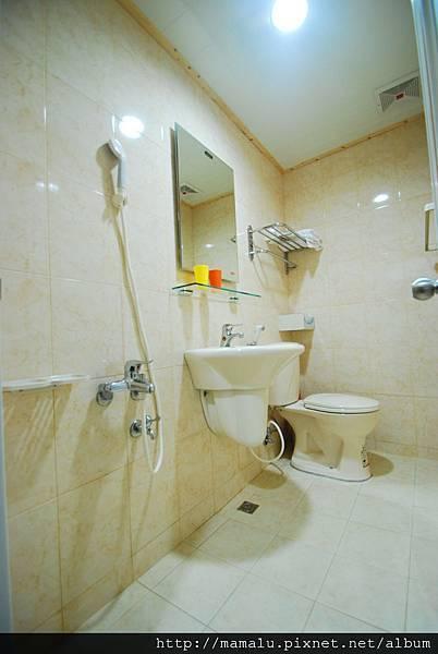 301及201 浴廁