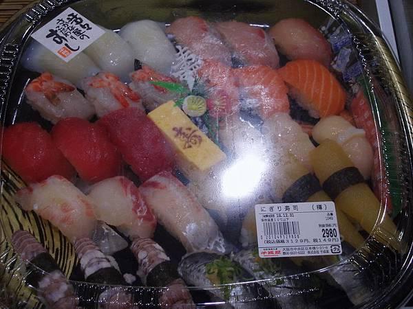 12/31日本過年會吃的生魚片壽司