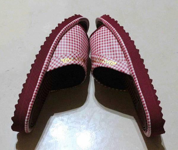 健康機能鞋-紅側