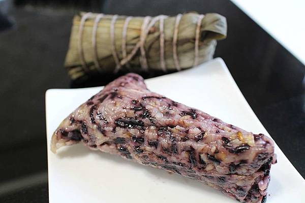 十殼黑米粽 (3)