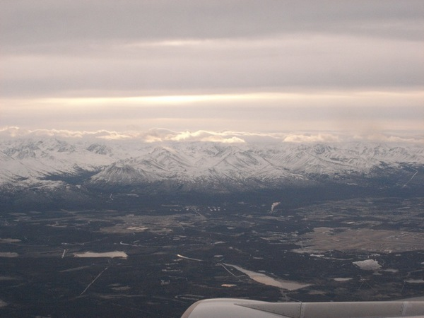 接近阿拉斯加上空