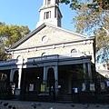 Broadway的St. Mark's church是曼哈頓第二古老的教堂
