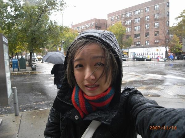 今天本來要去自由女神那兒的,可是下起了大雨