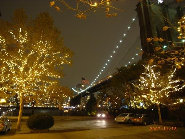 夜晚的布魯克林大橋