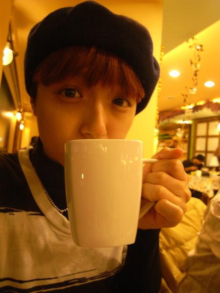 終於喝到溫暖的熱茶