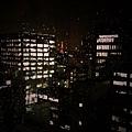 飯店的窗外看得見小小的東京鐵塔