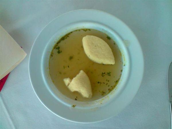一團團的小米湯
