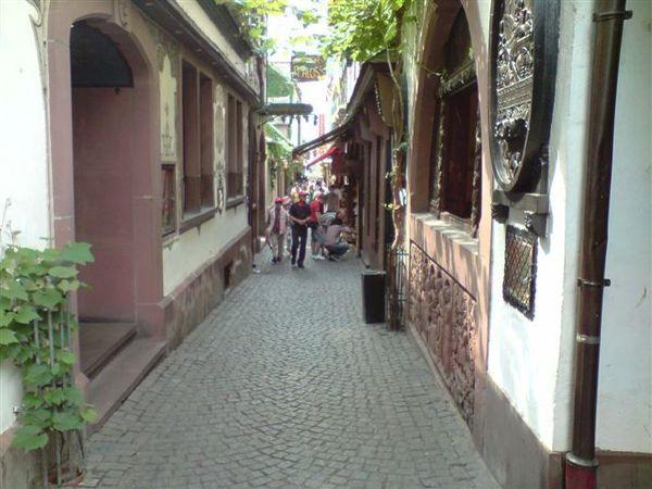 呂德斯海姆有「酒城」之稱