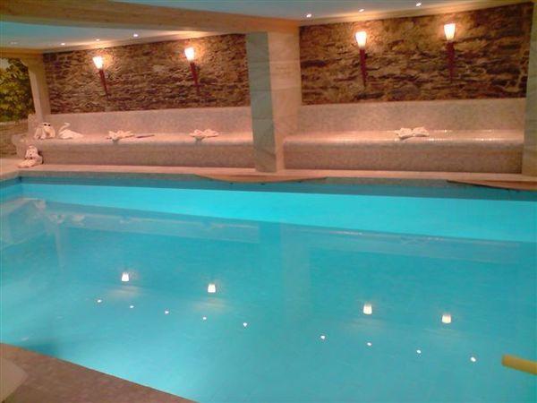 古堡室內游泳池