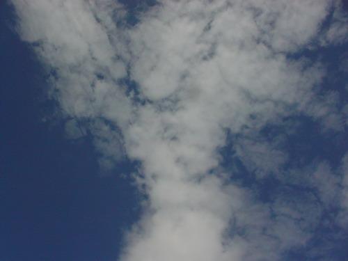 好吧 拍一下藍天白雲