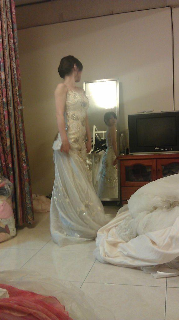 禮服試穿與推薦(伊頓自助婚紗)