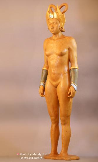 詹志評的木雕作品 ~ 女神的帽子