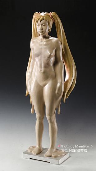 詹志評的木雕作品 ~ 長髮少女