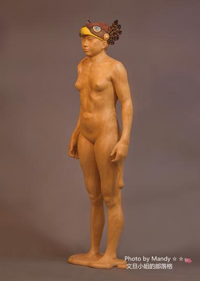 當代藝術家 ~ 詹志評的木雕作品:飛翔的帽子