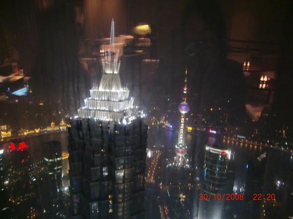 From Pudong Park Hyatt 影的 Pudong Grand Hyatt 夜景