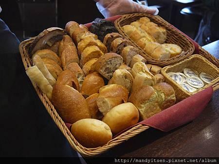 進々堂午餐之麵包吃到飽