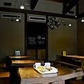 Rauk葵橋店二樓內用區