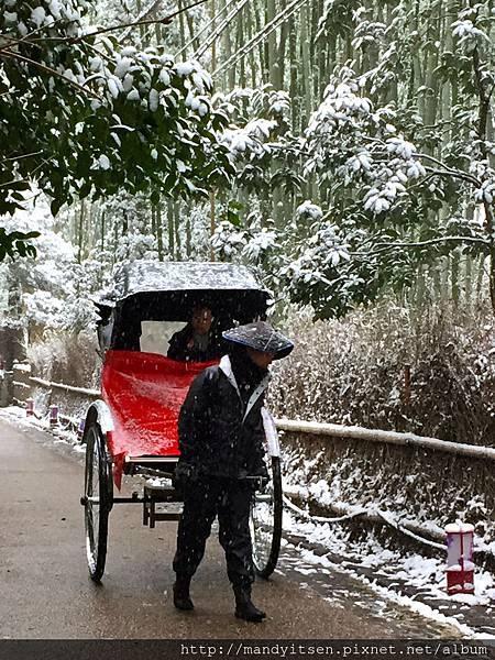 雪中人力車