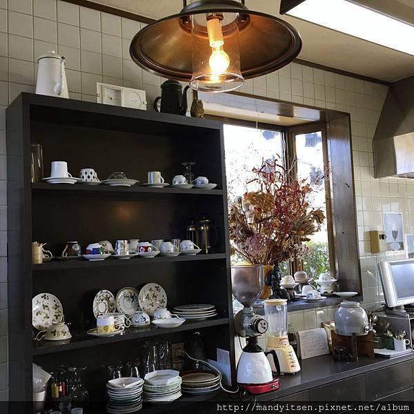 喫茶店「プルーン」店內
