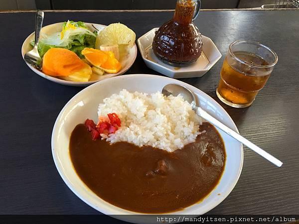 松尾大社前喫茶店「プルーン」的咖哩飯套餐