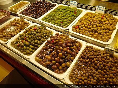 百年市場波格利亞的橄欖攤