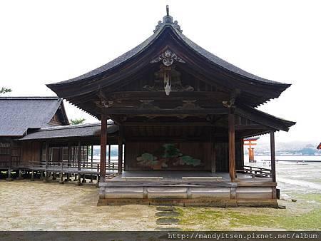 日本唯一建在海上的能舞台
