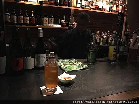 在和尚酒吧喝一杯「諸行無常」