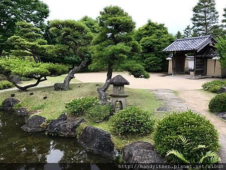 築山池泉的庭