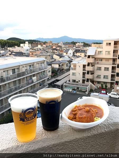 我家大樓眺望比叡山,吃咖哩飯