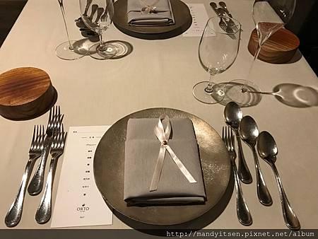 入座,準備享用ORTO冬至(當令)義式料理