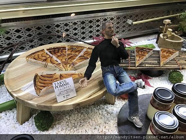 為什麼甜點櫥窗裡有賈伯斯?