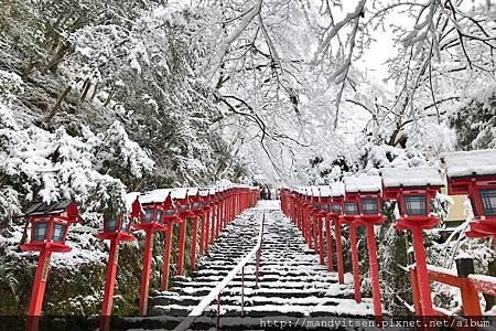 雪的貴船神社