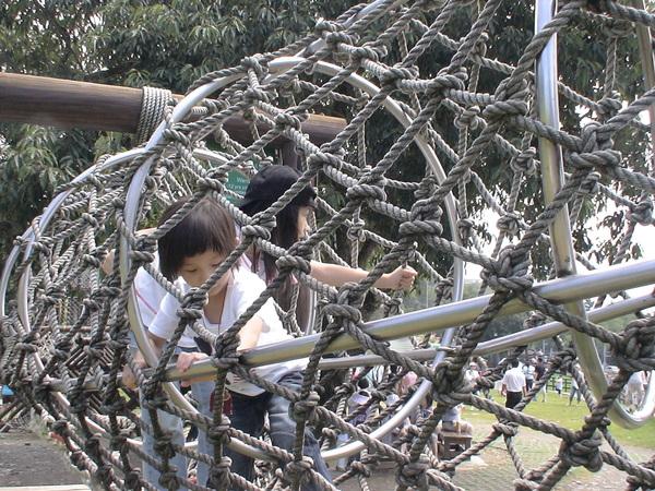 柔柔首次挑戢原野遊戲--蛇籠-3