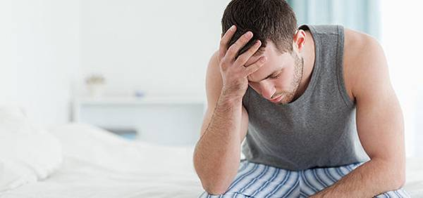 unhappy-man-on-bed-640x300