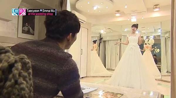 穿第二套結婚禮服的鬼鬼